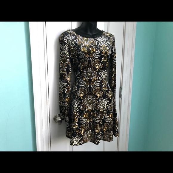 Volcom Dresses & Skirts - VOLCOM Velvet Cut Out Dress